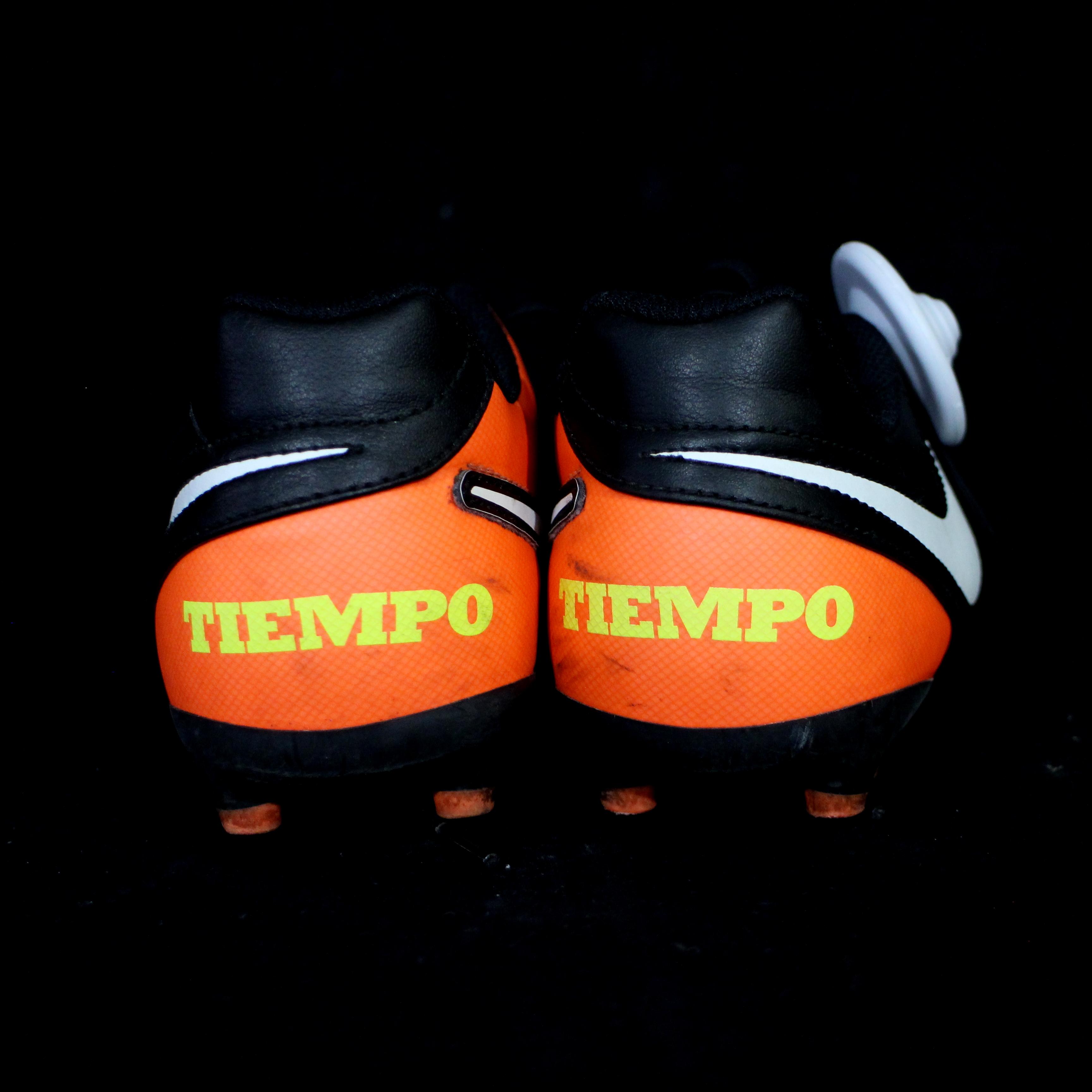 – Tiempo' Arancio 6yf7viybg Nere 5 Calcio N36 'nike Scarpe Sostenibile KcuT3lF1J